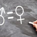 Las mujeres siguen al margen