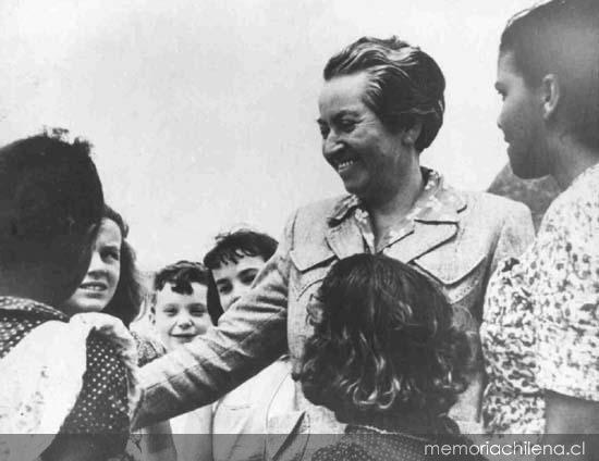 126 años del natalicio de Gabriela Mistral, la gran poeta de la Lengua Hispana
